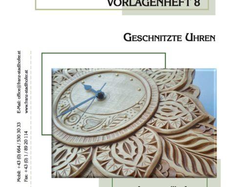 Geschnitzte Uhren